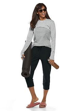 Luna Pullover Shrug & Morada Everyday Basic Tank Outfit